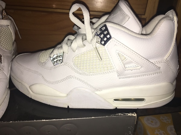 3cf5911a505f88 Used JORDAN PURE MONEY   4 SIZE 9 RARE for sale in New York - letgo