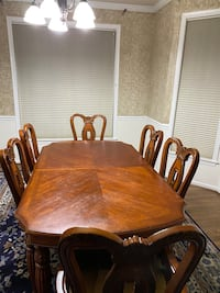 Dinning table and cabinet Frederick, 21701