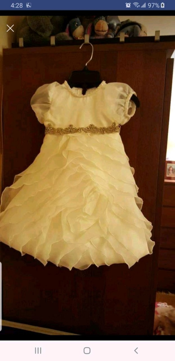 c93feaffb7 Handmade dress. Never worn. usado en venta en West Babylon - letgo