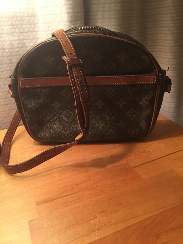 28ce14ba5148 Used Louis vuitton monogram canvas crossbody bag for sale in Dover - letgo