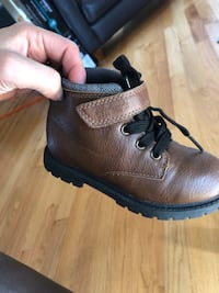 Boys boots size 11 toddler brown