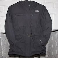 The North Face Hyvent Junior Winter Ski Coat Jacket With metal Buckle for a fitted look!!! Girls Size L 10-12 24 mi