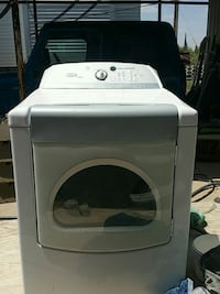 white front-load clothes washer Des Moines