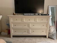Pottery Barn Dresser comes with attachable vanity  Chicago, 60610