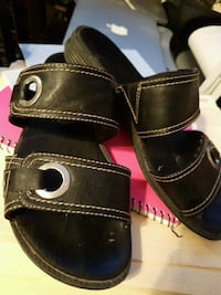 Used women's size 7 sandals  Airdrie, T4B 1E2