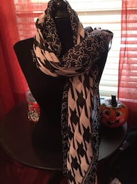 Fall scarves Worcester, 01603