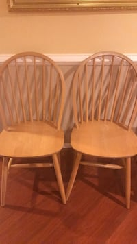 two brown wooden windsor chairs Glenn Dale, 20769
