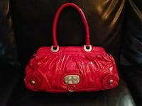 Authentic Guess Patent Leather Purse Chicago, 60626