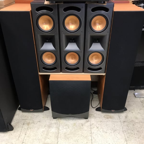 Klipsch RF35 Towers, 3 RC35 Speakers, RW 12 Subwoofer, 5.1 System