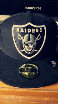 black Raiders fitted cap size 7, LRG snap back Visalia, 93277