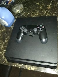 PS4 WITH GAME REMOTE CONTROL Houston, 77074