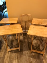 TV Tray set of 4 with stand (from a clean and smoke free home) Utica