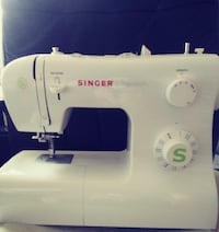 Singer Sewing Machine Model 2277 (Almost brand new) CARMICHAEL