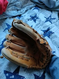 Used Cooper Baseball Glove for Right Hand Toronto, M2N 3A6