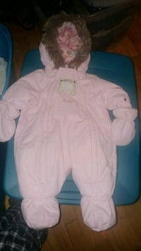 New pink with faux fur baby snowsuit Montreal, H8T