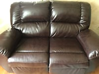 Signature Design by Ashely reclining loveseat  Annapolis, 21401