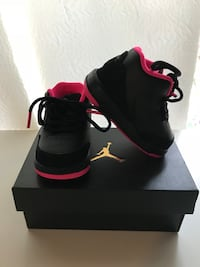 Black-and-pink jordans with shoe box Dover, 07801