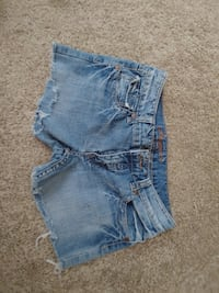 Size 7 shorts from stitches Medicine Hat