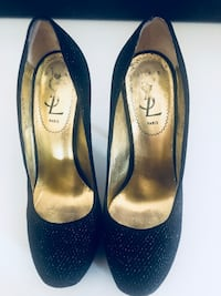 YVes St. Laurent YSL black heels-like new Vancouver, V6Z