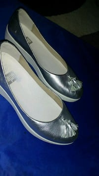 Silver leather slip on shoes Columbus, 43232