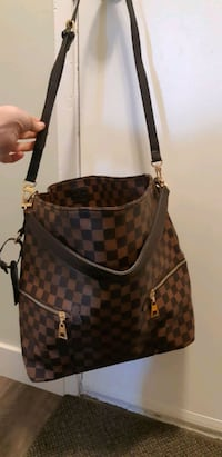Melie Bucket Bag -New- Louis Vuitton Purse Calgary