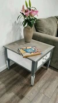 Table, side table, nightstand farmhouse style Palatine, 60074