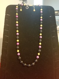 black and pink beaded necklace Salem