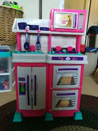 """Excellent condition 32 """" play kitchen with accessories!"""