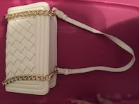 Forever 21 white and gold bag Mississauga, L5A 1Y6