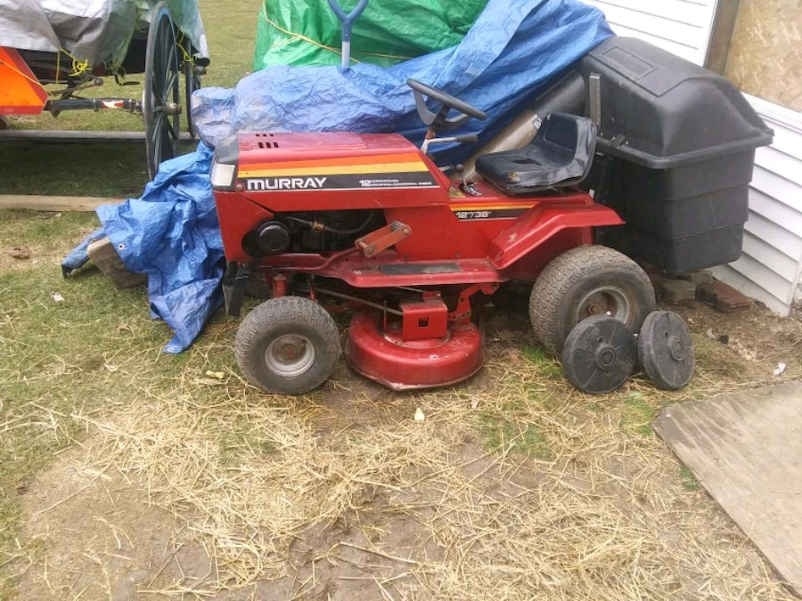 Photo Murray riding lawn mower 12 horse 38 inch cut with bagger with weigh s