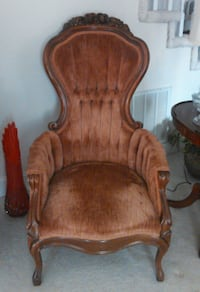 ANTIQUE TUFTED THRONE CHAIR KNOXVILLE