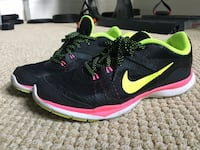 Women's Size 7 NIKE running shoes