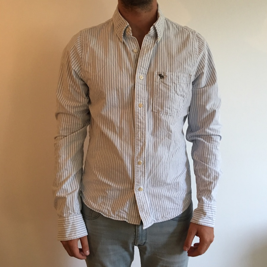 Chemise blanche d'homme