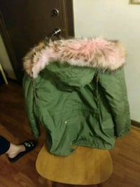 green and brown fur coat Sikeston, 63801