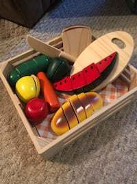 Melissa and Doug wooden food Waterdown, L9H 7E6