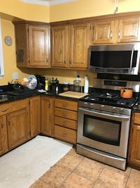 FREE BEAUTIFUL BLACK GRANITE COUNTER TOPS