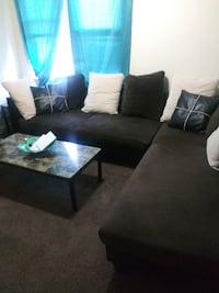 Brown sectional couch 25 mi