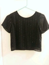 black scoop-neck shirt San Antonio, 78250