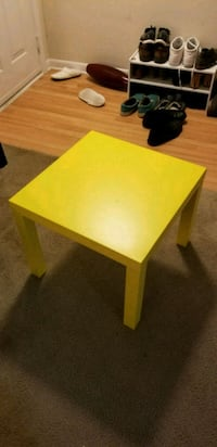 Yellow End Table Frederick, 21703