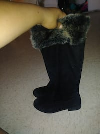 pair of black suede fur-lined wide-calf snow boots Oxnard, 93036