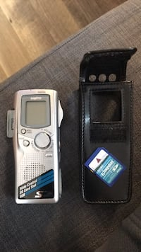 Gray and black Sanyo digital recorder with 2gb memory card and case Richmond Hill, L4S 1E6