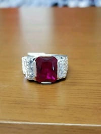 silver Cz ring with synthetic ruby stone/ anillo d Houston, 77076