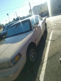 white Lincoln Town Car sedan San Diego, 92115