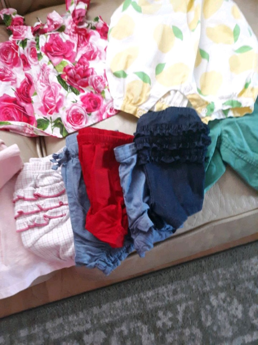 Photo Summer baby gap clothes 9-12 MOUNTHS
