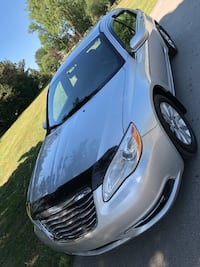 Chrysler - 200 - 2012 Laval, H7T