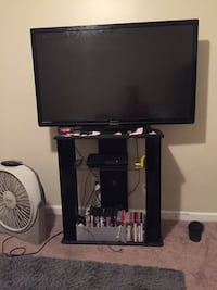 Tv $200 & Stand only $20 !!! Need gone ASAP 230 mi