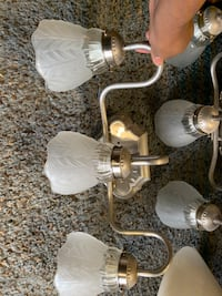 2 vanity lights $20.00 for both