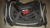 Sports/Gym Bag-one side pocket is extendable for longer stuff Calgary, T3J 3A1