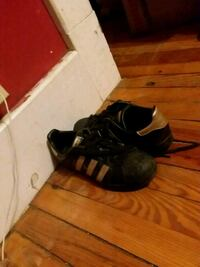 Black and gold adidas Albany