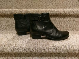 New Women's Size 7.5 Leather Bootie (Retail $95)